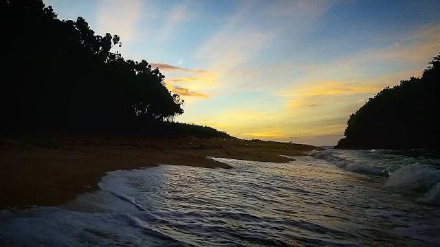 Pantai pulo doro atau Weden Dowo malang selatan