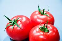Πώς ξεχωρίζουμε τους καλούς σπόρους ντομάτας που είναι για φύτεμα;
