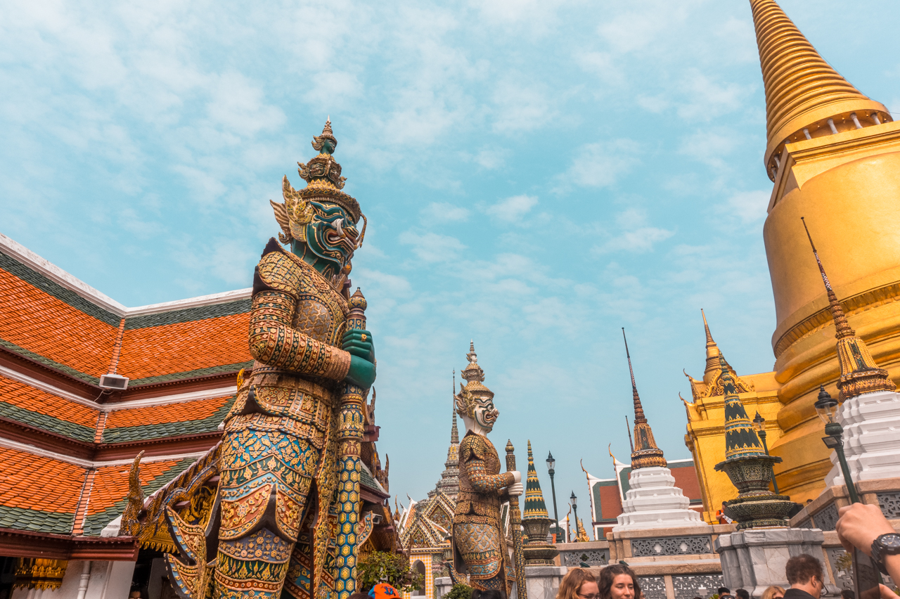 Statues of Giants in Wat Phra Keaw