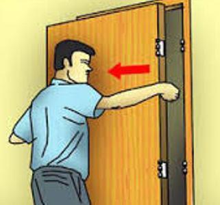 Cara Mudah Memasang Engsel Daun Pintu Kayu Jati 8
