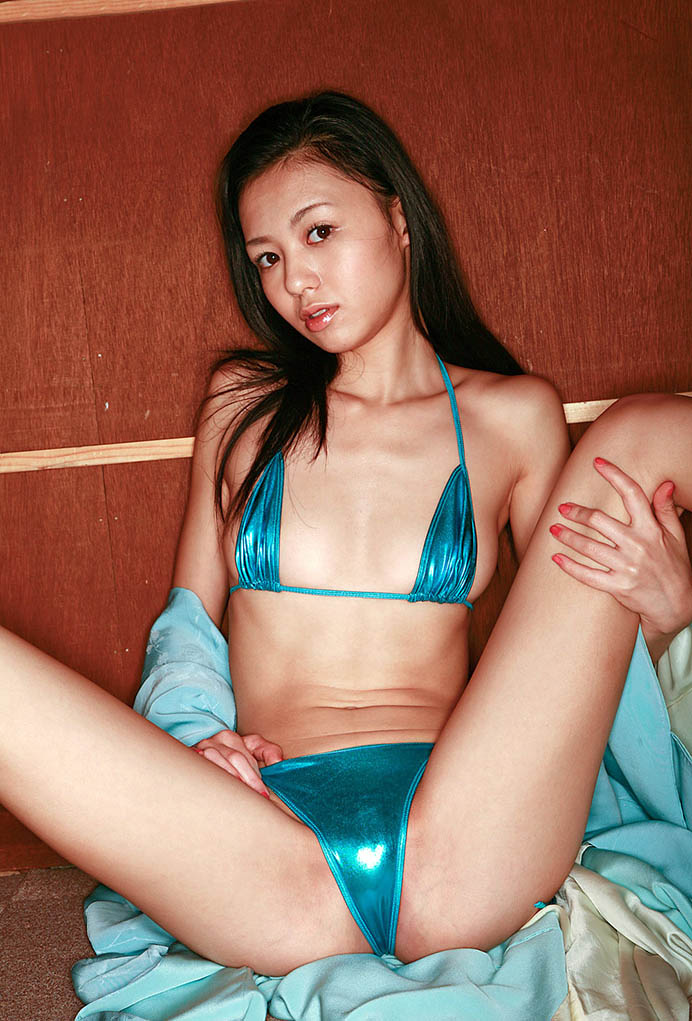 aino kishi sexy bikini pics 02