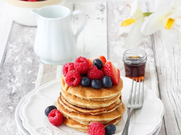 Pancakes integrali con frutti di bosco (senza lattosio)