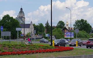 http://fotobabij.blogspot.com/2016/07/bigoraj-ultarnogrodzka-rondo-w-tle.html