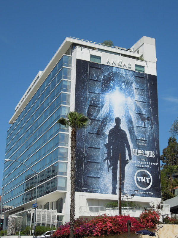 Giant Falling Skies season 2 TNT billboard