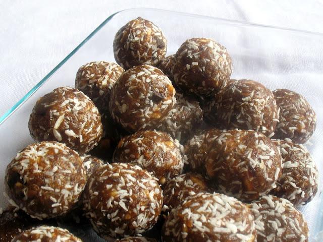 Apricot Almond Balls