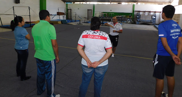 Capacitan a instructores de Gimnasia de la USI
