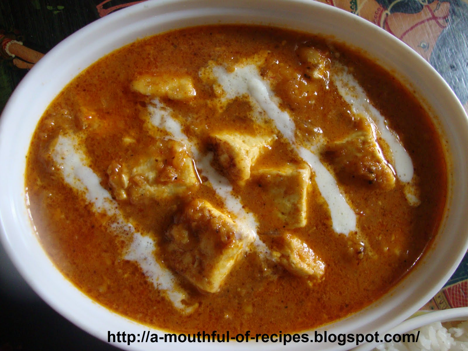 Mouthful Of Recipes: Paneer In Spicy And Rich Tomato Gravy