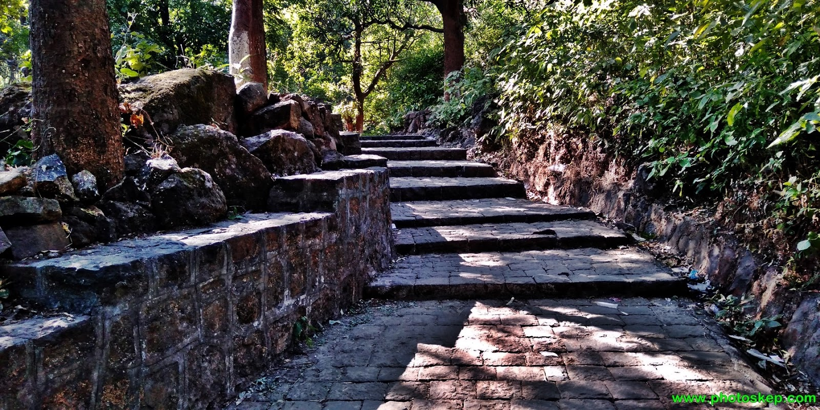 photo-pictures-wallpaper-images-brahmagiri-hills-Nashik-trimbakeshwar-mountain-hills-