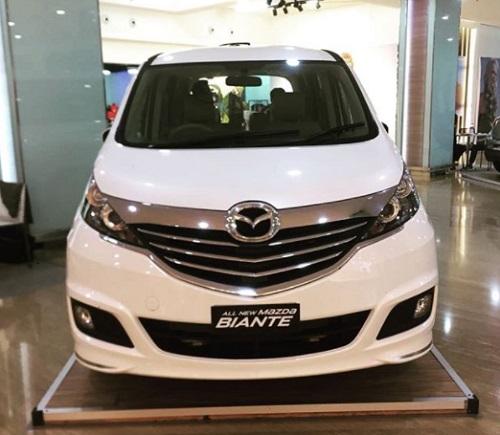 Mobil Mazda Biante Review Image