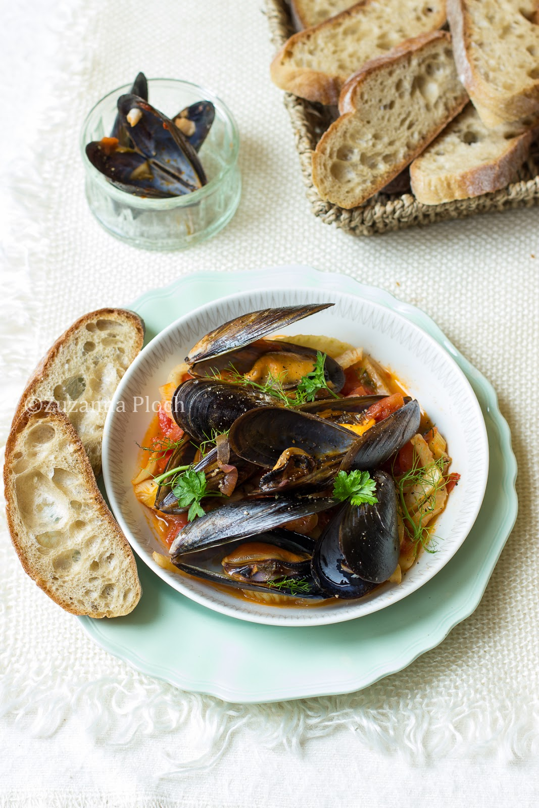 Mussels with fennel in tomato sauce