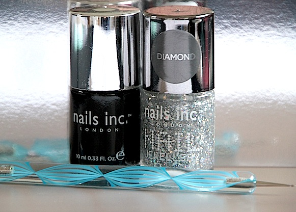 nails inc. manucure noir black taxi et burlington arcade