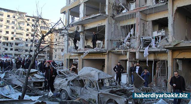 DİYARBAKIR-Diyarbakır'da 2'si polis 11 kişinin katledildiği, 378 kişinin de yaralandığı patlayıcı yüklü minibüsle gerçekleştirilen saldırıyla ilişkisi olduğu belirtilen 10 kişi gözaltına alındı.