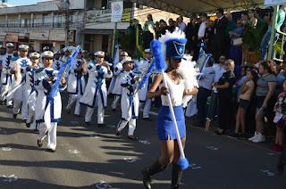http://vnoticia.com.br/noticia/1943-escola-e-familia-como-tema-do-desfile-de-7-de-setembro-em-sfi-galeria-de-fotos