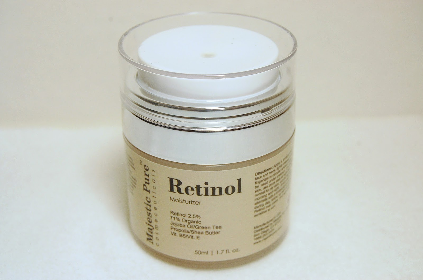 Retinol amounts in moisturizers - I Just Press Lightly On The Top Disc And The Moisturizer Is Expelled Through A Hole In The Middle The Amount Of