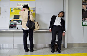 外国人「日本のサラリーマンの生活が悲惨」(海外の反応)