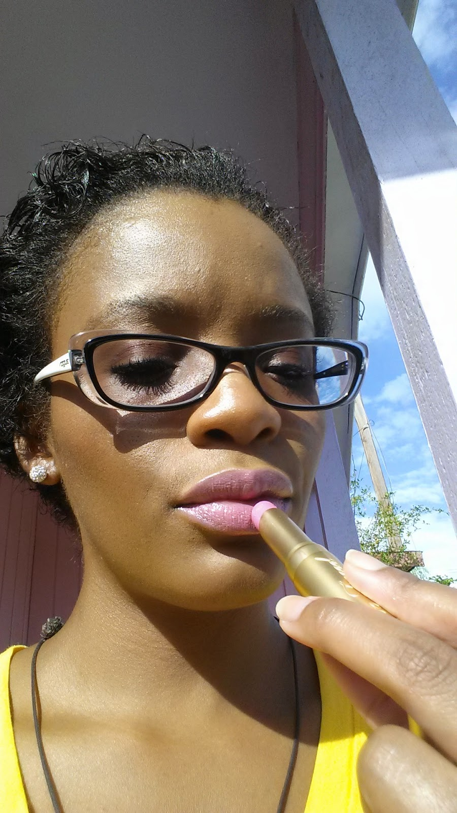 Too Faced La Creme Color Drenched Lipstick 'Razzle Dazzle Rose' swatch - www.modenmakeup.com