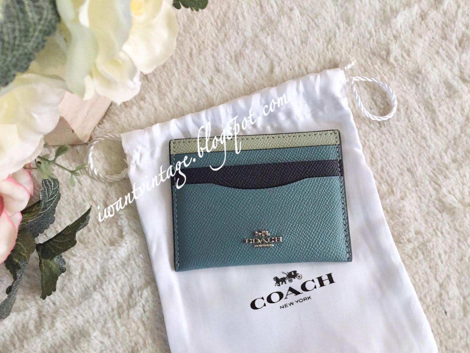 online retailer d7a20 b5bbd I Want Vintage | Vintage Designer Handbags: Coach 21494 Card Case in ...