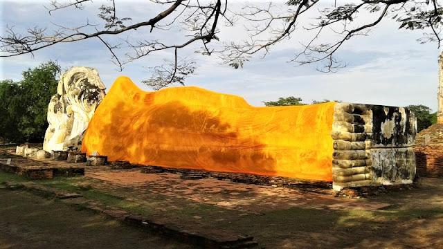 Bidha yacente en Tailandia