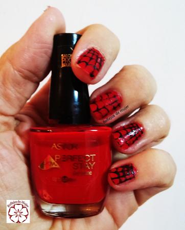 Manicura en rojo