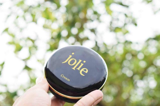Jolie Shimmer Shine Cushion Untuk Solekan Natural Dan Glowing