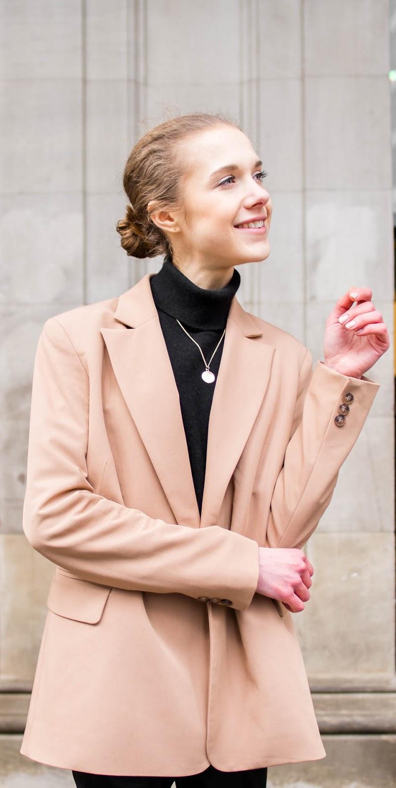 Stress, money, minimal Scandinavian style outfit - Stressi, raha, minimalistinen skandinaavinen tyyli