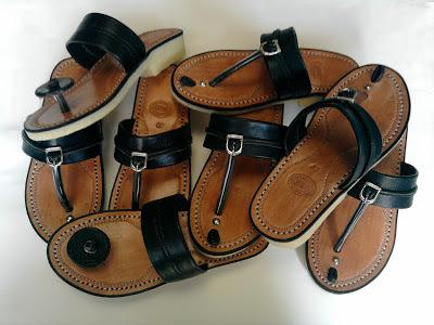 Sandal tradisional tarumpah
