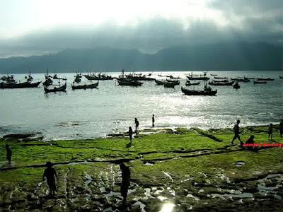 wisata di tulungagung-nerahu nelayan pantai popoh