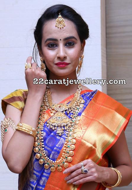 Ameeksha Amy in Ram Parivar Haram