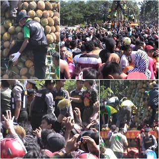 Kenduren Durian, Massa Berebut Gunungan 2016 Buah Durian