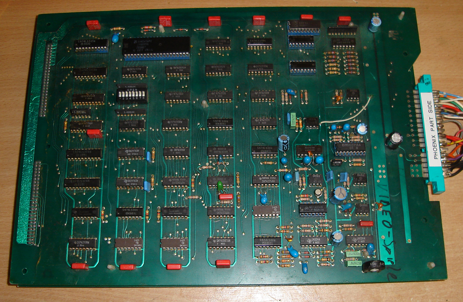 Not In Mame: Phoenix pcb pinout (button 2 / shield)