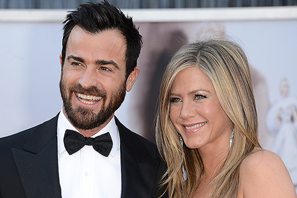 Jennifer Aniston and Justin Theroux married today? Guests flock!