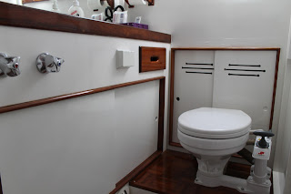 Grand Banks aft bathrom