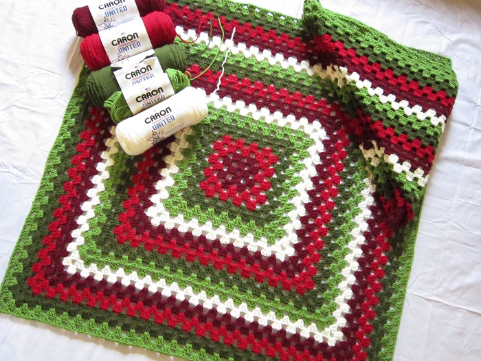 Big Granny Square Blanket, free crochet pattern, yarnspirations.com