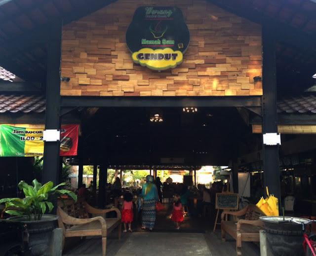 Kuliner di Warung Mamah Sum Gendut Jl. Jakarta Malang Part 1