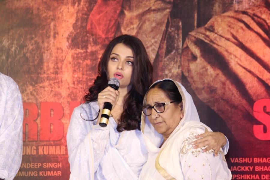 Bollywood Actress Aishwarya Rai Stills In White Dress