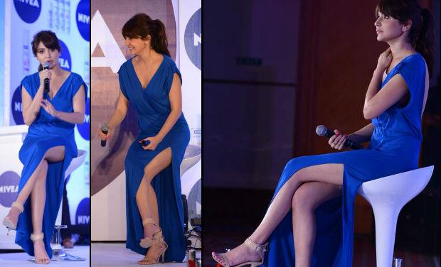 Anushka Sharma wardrobe malfunction