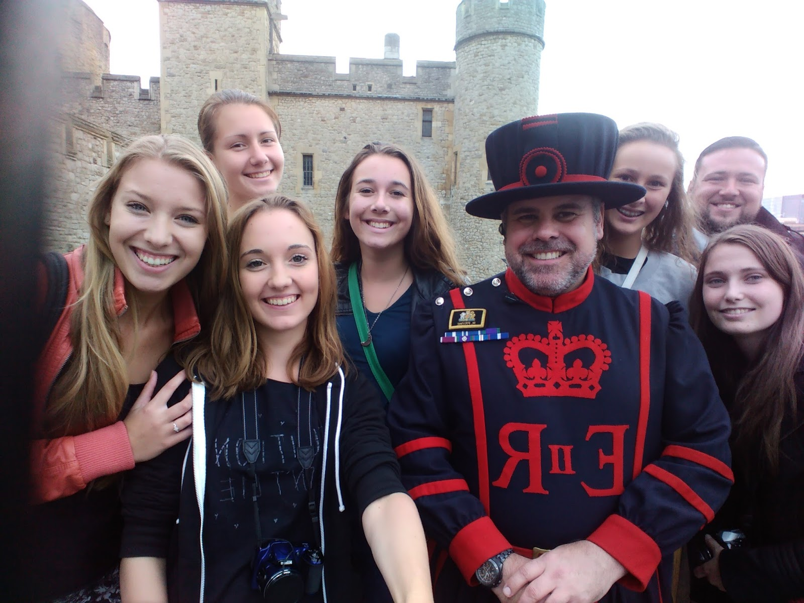 společná selfie s beefeaterem u Tower of London