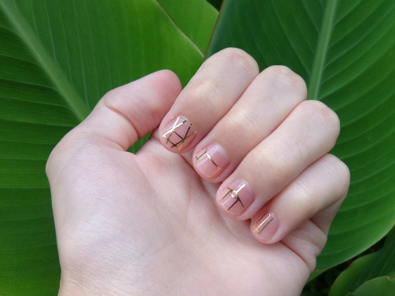 Simple Minimalist Geometric Nail Art