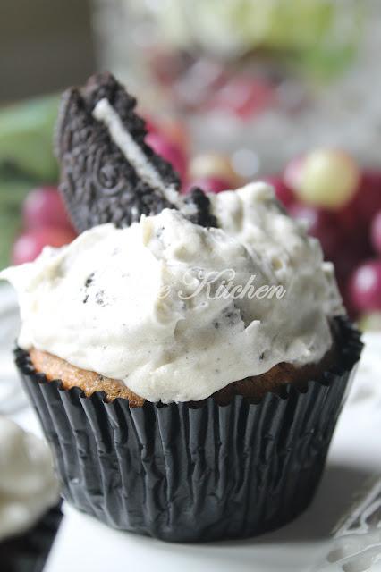 Cupcake Oreo Dengan Whipped Cream Frosting