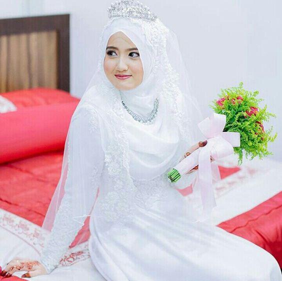 10 Inspirasi Gaun Pengantin Muslimah Syari Inspirasi