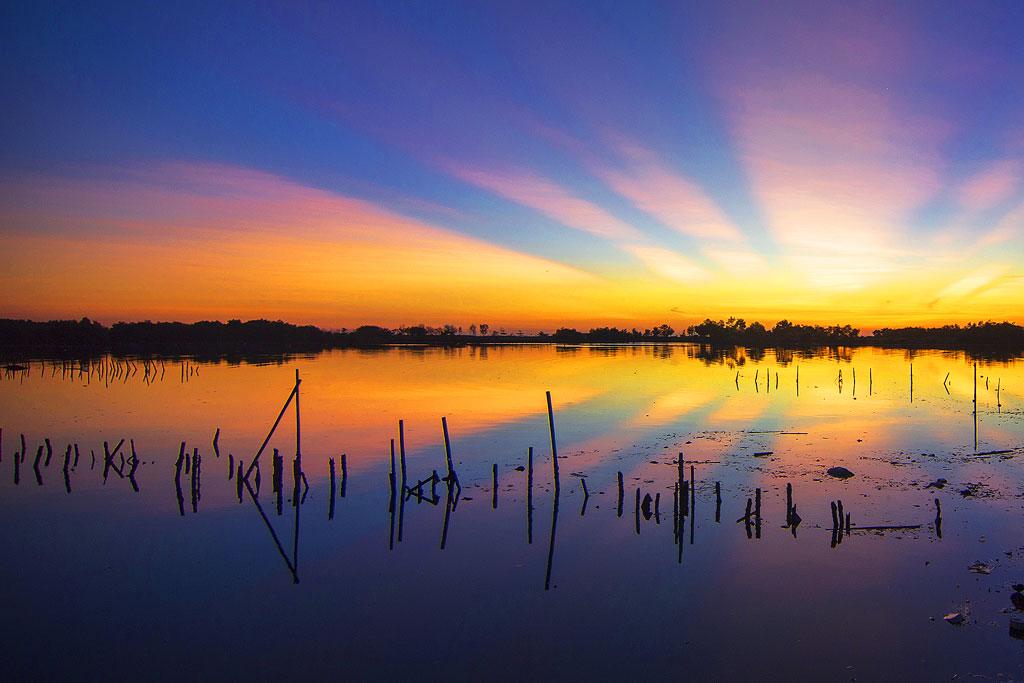 Foto sunset keren dari kota makassar