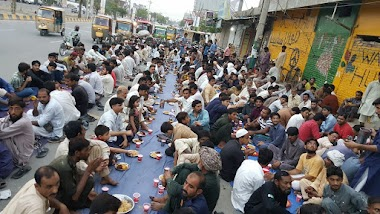 Iftars in Ramadan at Wall of Humanity