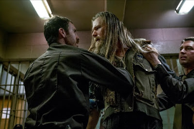 Thomas M. Wright and Ryan Hurst in Outsiders Season 2 (11)