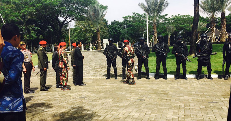 Tanggapan DPR Terkait Kunjungan Presiden Ke Markas Kopassus, DPR : Sudah Bukan Zamannya Lagi Menakuti Rakyat dengan Tentara - Commando