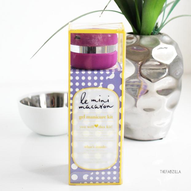 DIY gel manicure kit, how to use le mini macaron gel manicure kit, review le mini macaron gel manicure kit