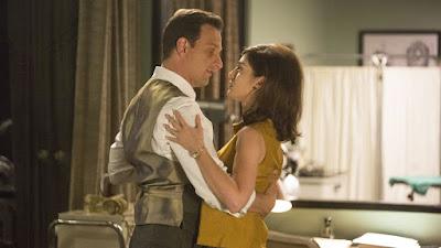 Dan y Virginia bailan en la clínica