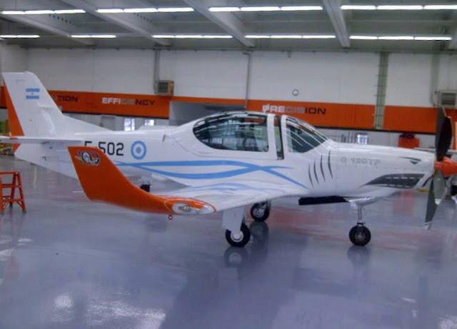 Resultado de imagen para Aviones GROB: FAdeA