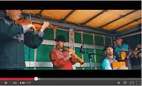 http://musicaengalego.blogspot.com.es/2012/12/radio-cos-videoclip-sete-cuncas.html