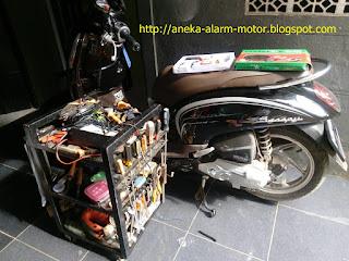 Cara pasang alarm motor remote pada Honda Scoopy ESP