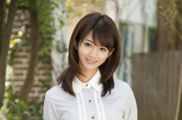 Aso Nozomi từng là một người đẹp đa tài, có học vấn cao